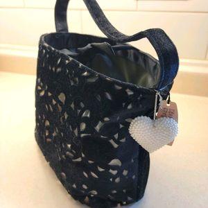 4/$20 NWT Victoria Secret Bag
